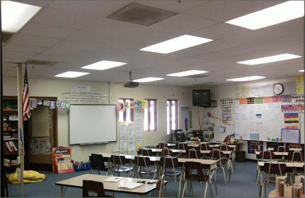 Lưu ý khi bố trí đèn led panel cho hệ thống phòng học