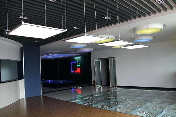 Ứng dụng đèn led panel vuông thả trần